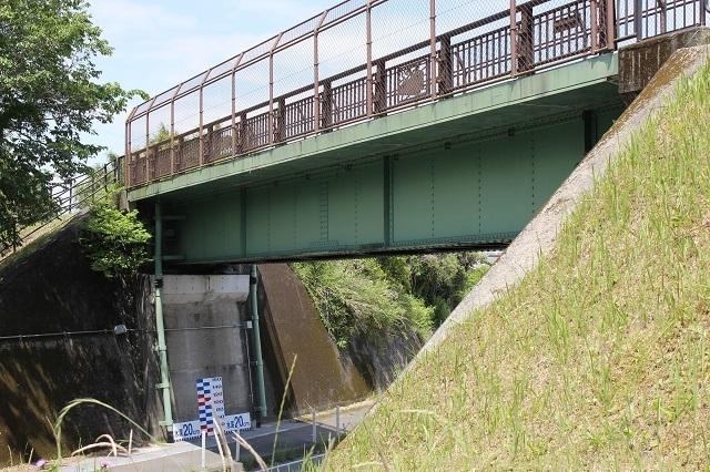 跨線橋全景