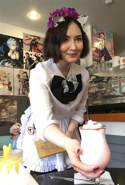 wst1806260051-p1_【ロシアW杯コラム】「ゴシュジンサマ」とロシア女性がお出迎え メイド喫茶、日本人サポ憩いの場に