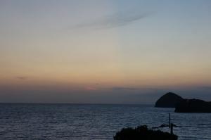 カラスと朝日2