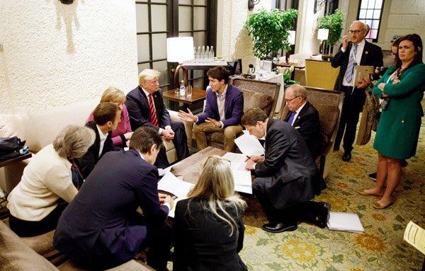 マクロン仏大統領が投稿した写真