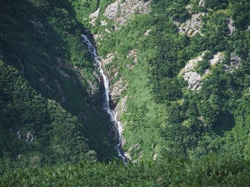 くさいぐら尾根にかかる滝