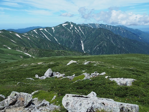 本山付近から北股岳と烏帽子岳