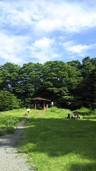 公園内あずま屋