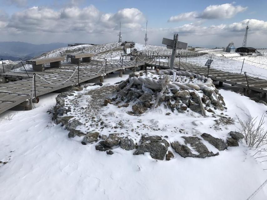 4月8日 剣山の山頂