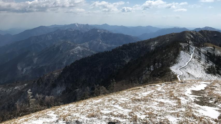剣山から見た高城山