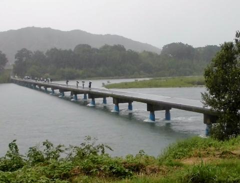 18佐田沈下橋
