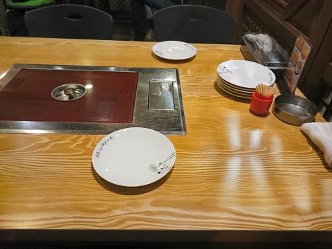 店内テーブル@ソナム