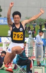 180708-11男子三段跳_035