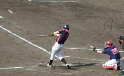 P5120876Le.visage2回裏一死後、7番田上が左越え2点本塁打を放つ