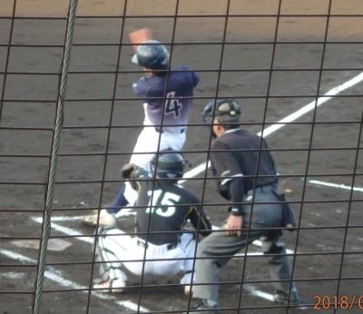 P6012129県庁紳士2回表1死一塁から7番はいい当たりだったがレフト正面