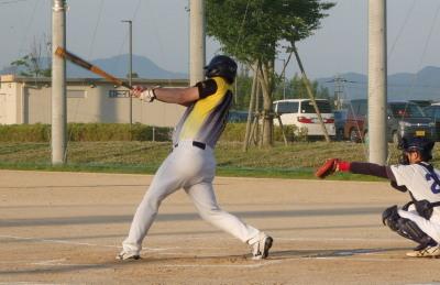 P6022231続く3番藤森が中前打を放ち一、二塁