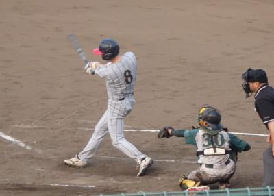 P72624671回裏第一信金1死二塁から3番が右翼線三塁打を放ち1対1の同点