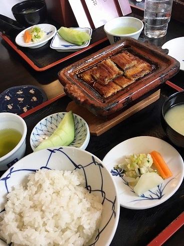 お昼は鰻~
