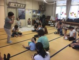 下川講師の楽しい指導でリズム体操も