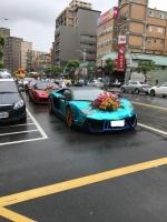 お寺の祭りにスーパーカー180721