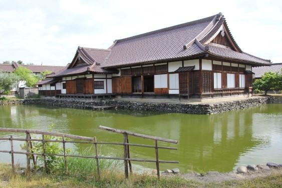 武講と水練水馬池