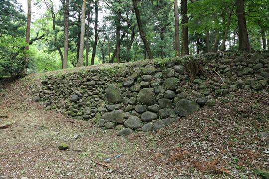 箕輪城三の丸石垣
