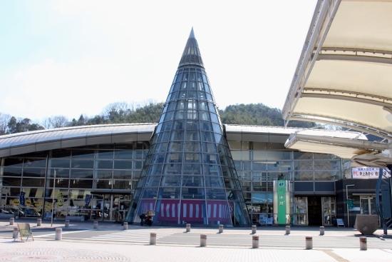 ③井原駅舎