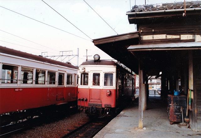 ②日方駅ホーム