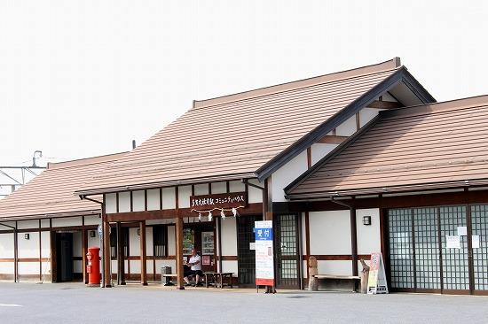 ⑦多賀大社前駅舎