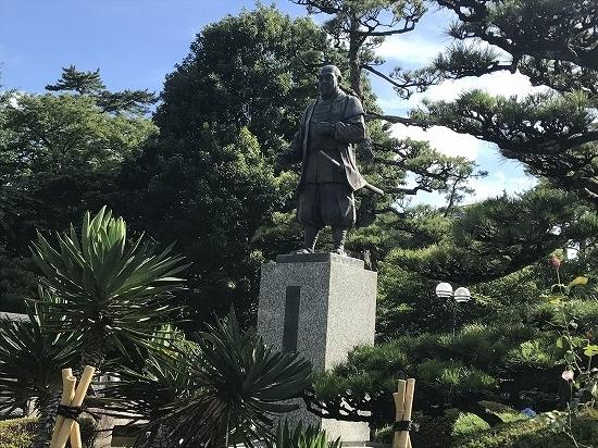 ⑪徳川家康像