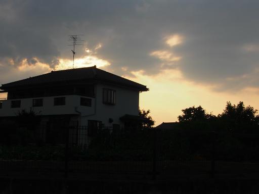 20180609・ミニ散歩の空17