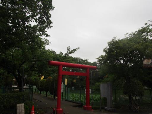 20180808・台風前の散歩空07・岩崎弁天