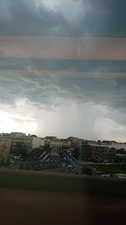 ゲリラ豪雨(かな)