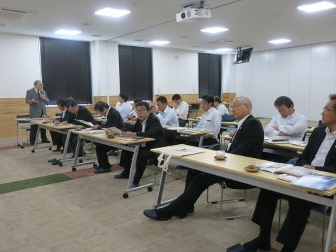 「富山県議会・薬事総合研究開発センター」視察⑨