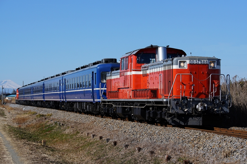 DD51-888
