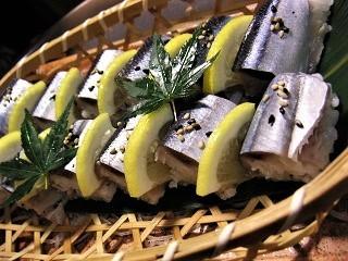 〆秋刀魚握り