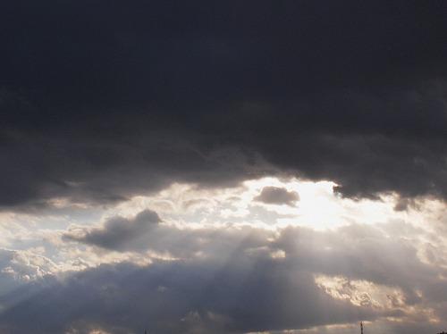 500雲と光180601