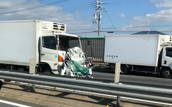 加古川 交通事故 軽自動車 トラック