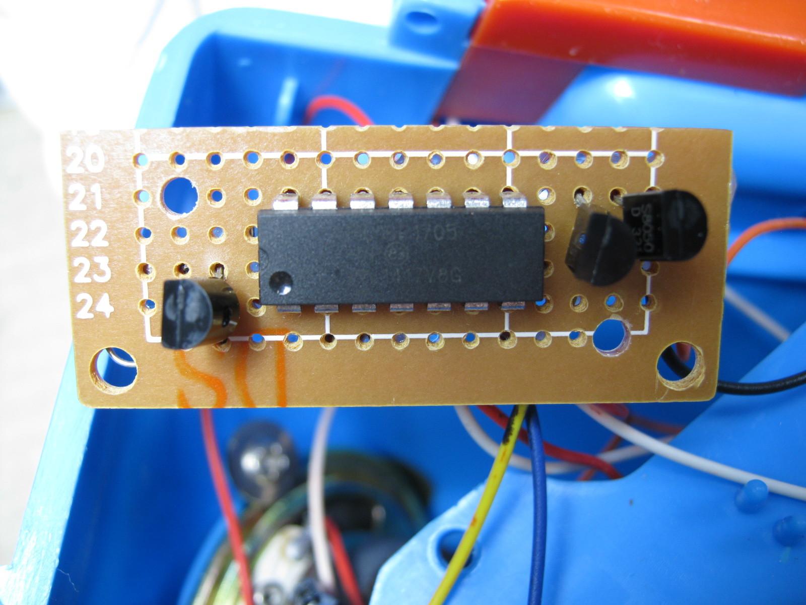 三輪車のハンドルに付ける鳴り物飾り(マイコン換装)基板表