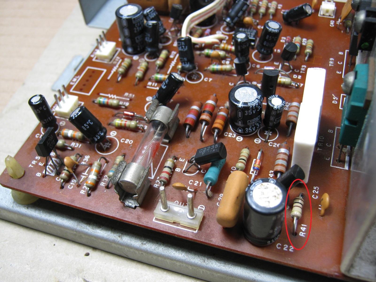 COLUMBIA電気ピアノ(抵抗不良)基板抵抗1印付き