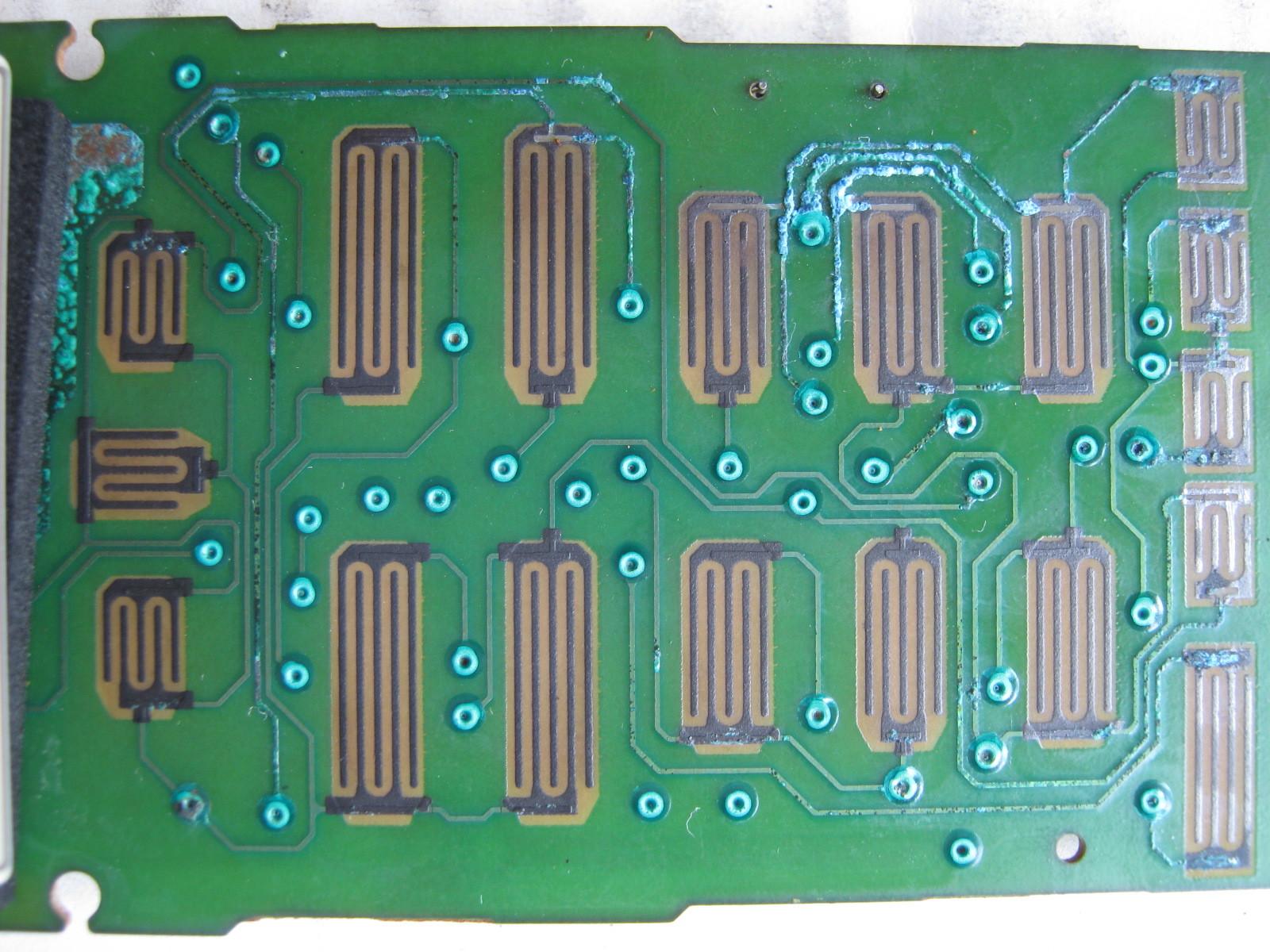 エアコンのリモコン元基板配線パターン裏