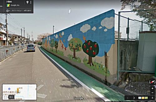 小学校プールの壁300618b