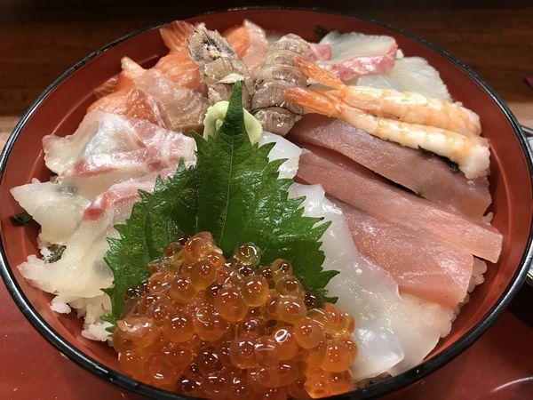 06_海鮮丼アップ