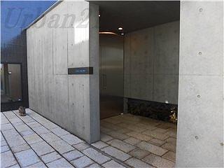 カーサベラ大倉山弐番館 エントランス (2)