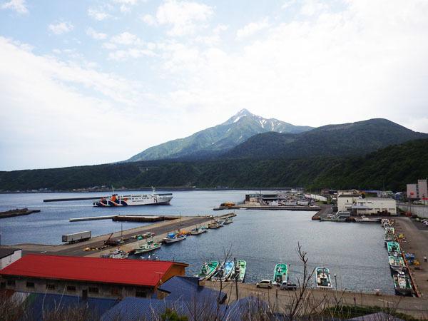 港と利尻富士