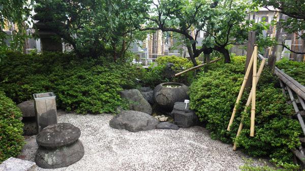 天龍寺の墓地