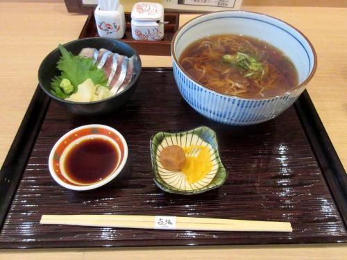 かけそばと〆鯖丼