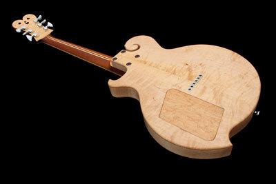 クイント・ギター018背面