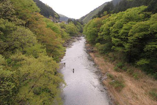 多摩川を渡る