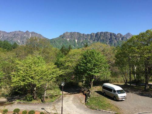 宿から見た戸隠山