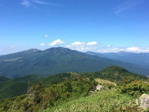 四阿山と横手山