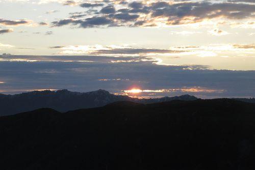 燕岳から日の出