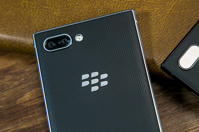 BlackBerry_KEY2_07.jpg