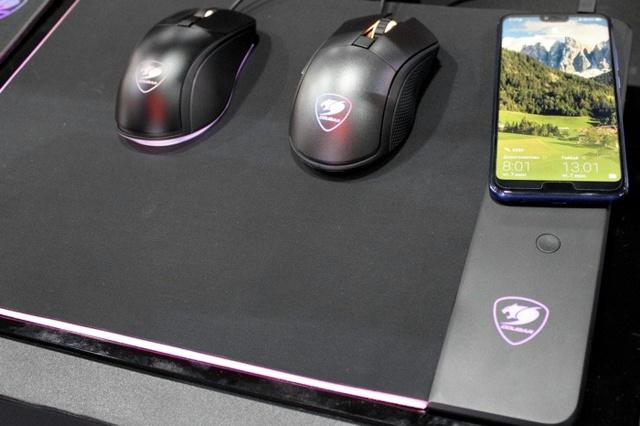 COUGAR_Qi_MousePad_05.jpg