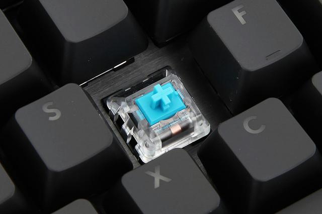 G512_GX_Blue_08.jpg